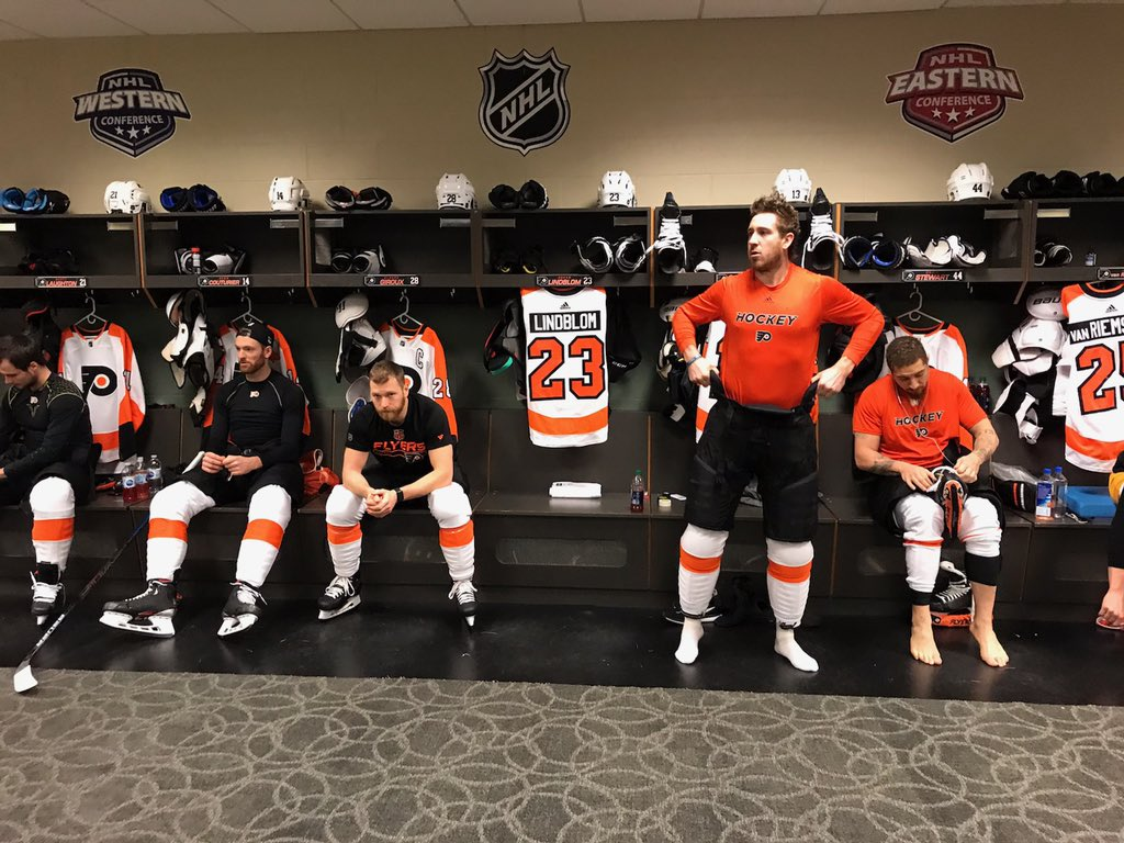 👏 Flyers are playing for Oskar Lindblom who was diagnosed with Ewing's sarcoma, a rare form of cancer   Flyers had his #23 jersey hanging in the locker room as a reminder last night and to honor their teammate   📸 via Zack Hill   @6abc  @NHLFlyers  #OskarStrong  #FlyOrDie