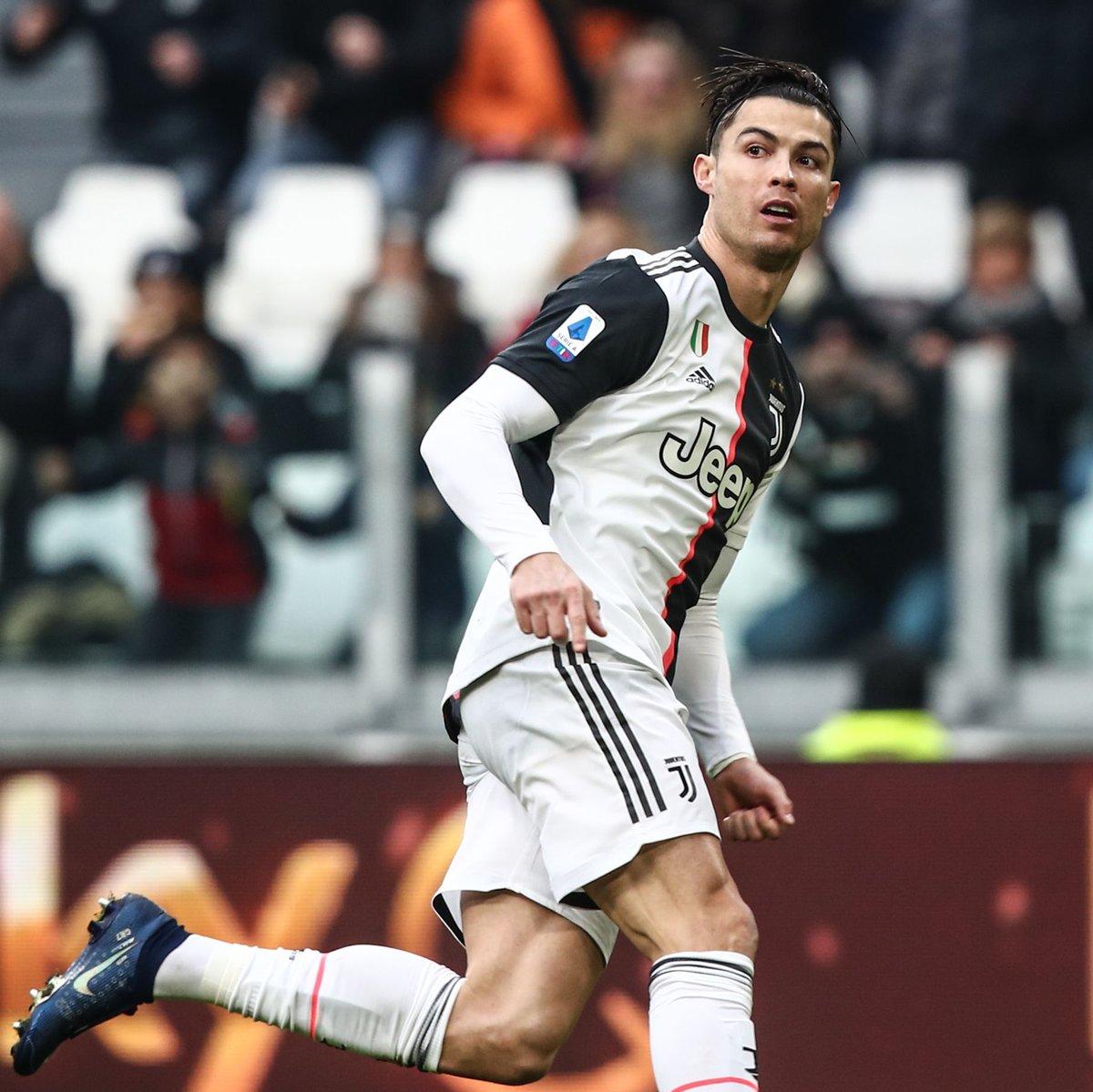 Cristiano Ronaldo doing what Cristiano Ronaldo does best.