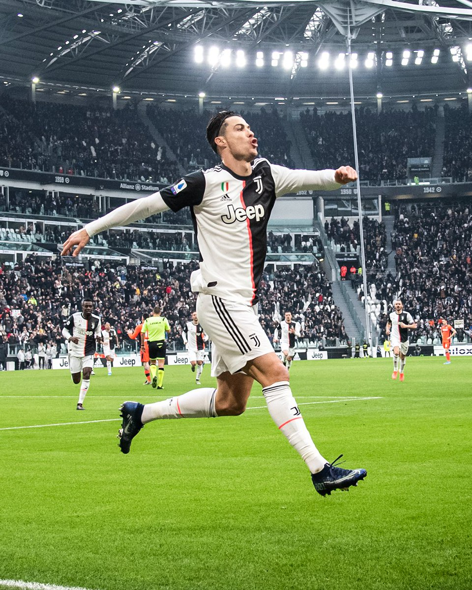 9' ⚽ 37' ⚽ Two shots, two goals for Ronaldo ⚡