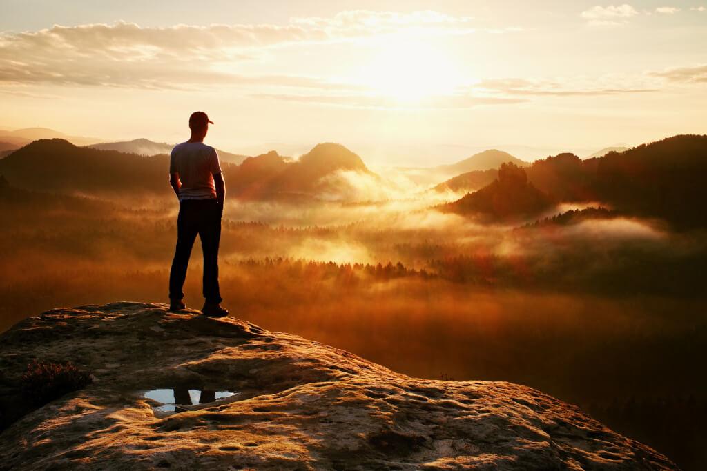 Werde jetzt Frühaufsteher und schaffe dir deine Morgenroutine! http://chmp.ly/870pic.twitter.com/HIQRfIfN9P