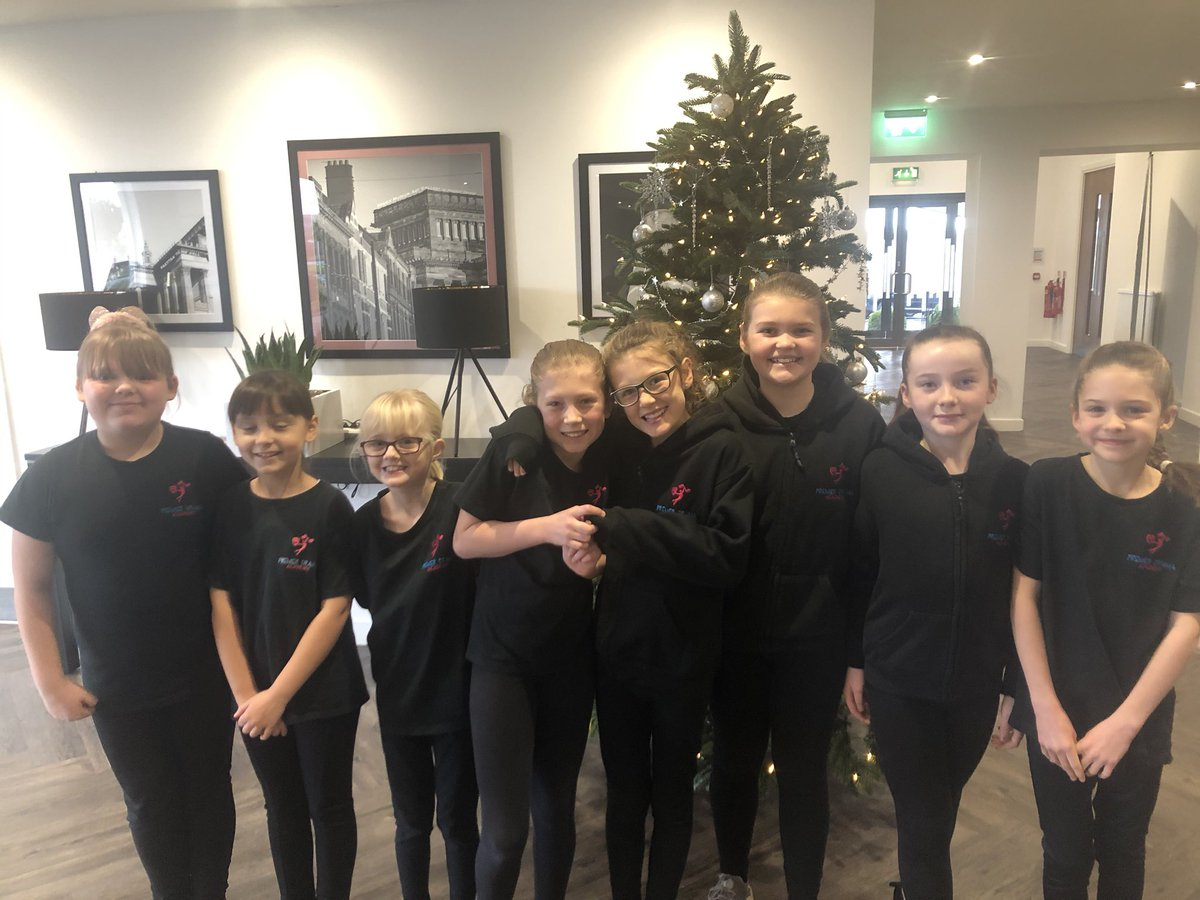 Some of our lovely pupils ready to go into their exams. They were all amazing today. Well done everyone, I'm so proud.   Sorry I didn't get pics of everyone #premierdramaacademy #teampda #neweraacademyexams #proudteacher pic.twitter.com/k46BUjWoTY