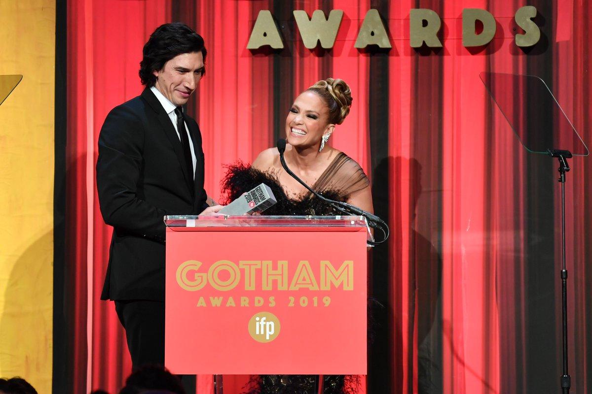 📸 Adam Driver recebe prêmio de Melhor Ator no Gotham Awards 2019 #GothamAwards #AdamDriver https://t.co/AgcEhewgDn