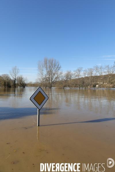 Inondation le long de la garonne #photo  © Laurent SAZY