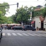 Image for the Tweet beginning: Las ferias de Palermo... ¿soho?