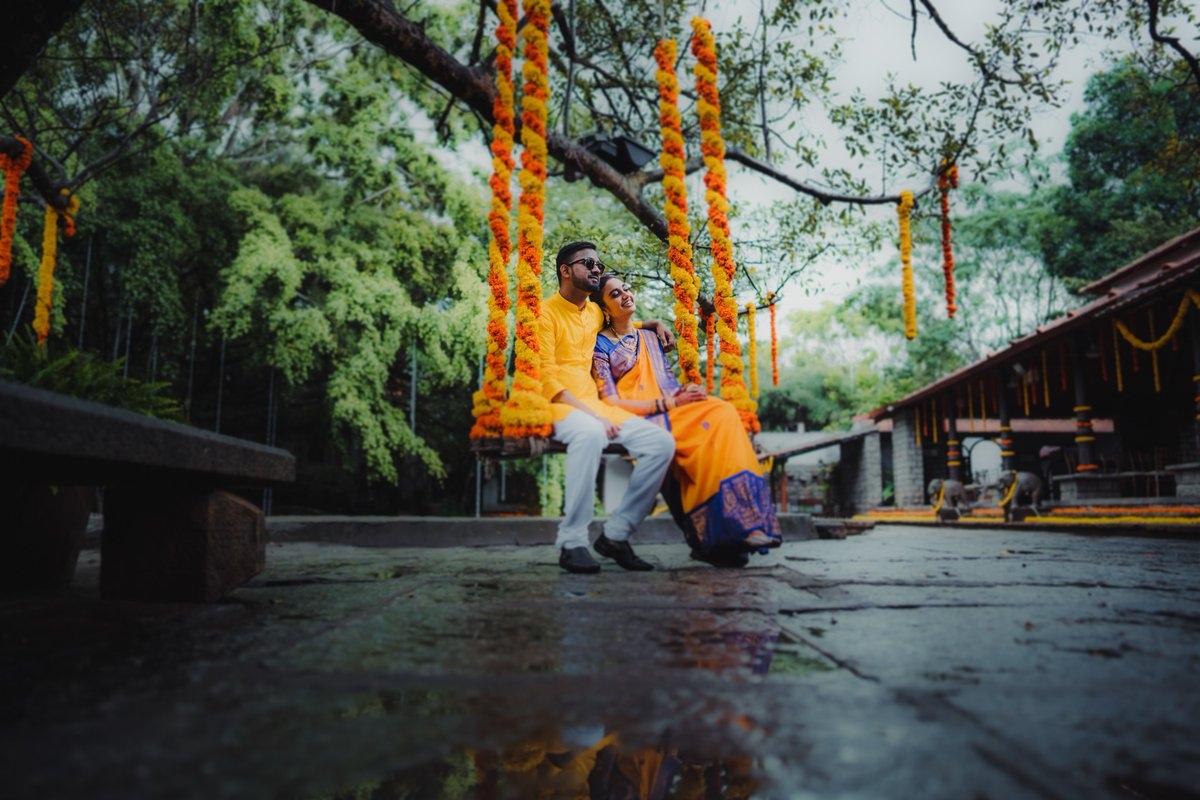 You are my happy place! #weddingshoots #weddingdetails #candidweddingdetails #indianweddings #vivekkrishnancandidphotography #candidphotographer #candidweddingphotographypic.twitter.com/I5PwcJCQWp