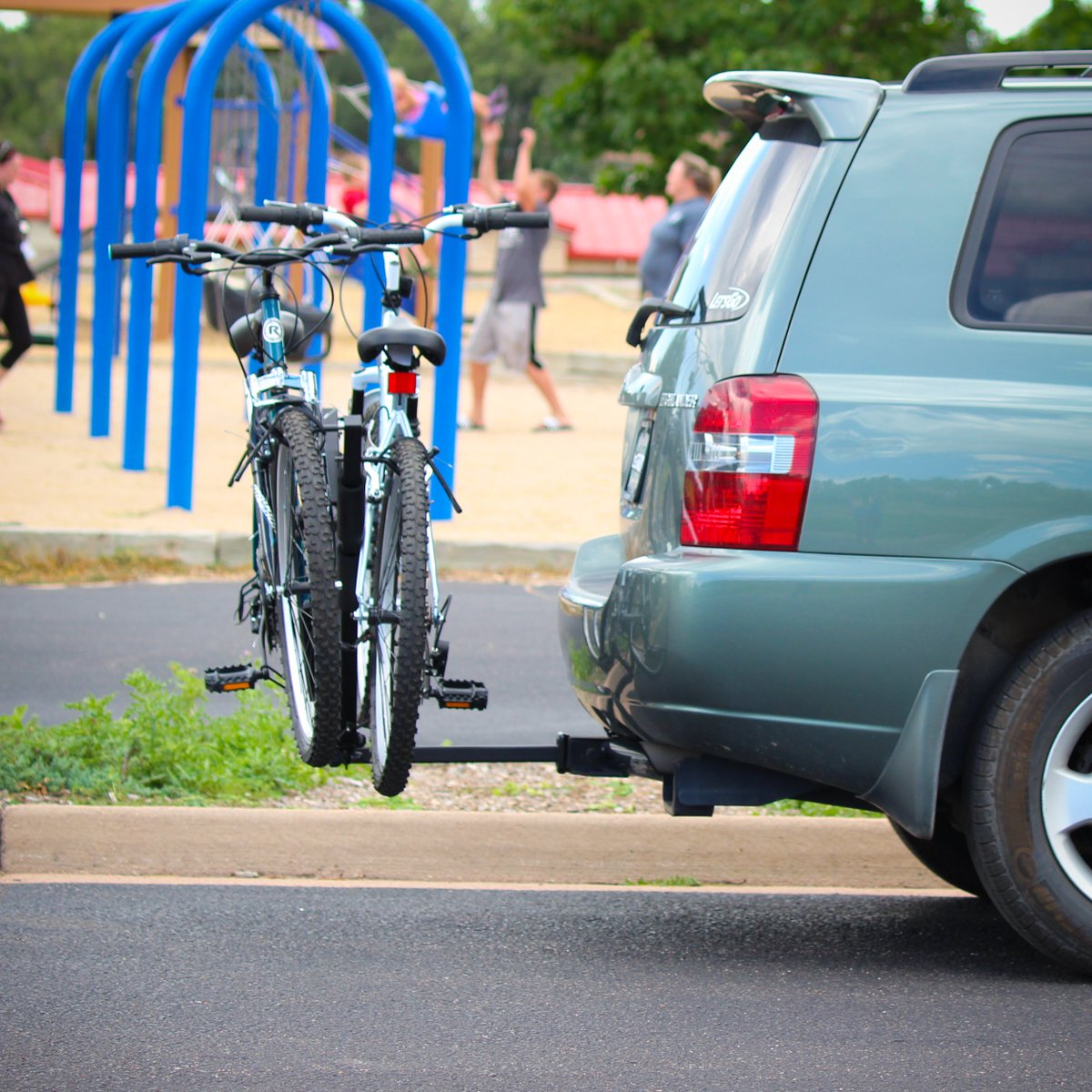 Sunday Funday! How was everyone's ride this morning? #fun #parks #cycle  PRE-ORDER the NEO-2 Two Bike Carrier for only $99.00 now! https://hubs.ly/H0mfzQ60pic.twitter.com/L7SVpW7If3