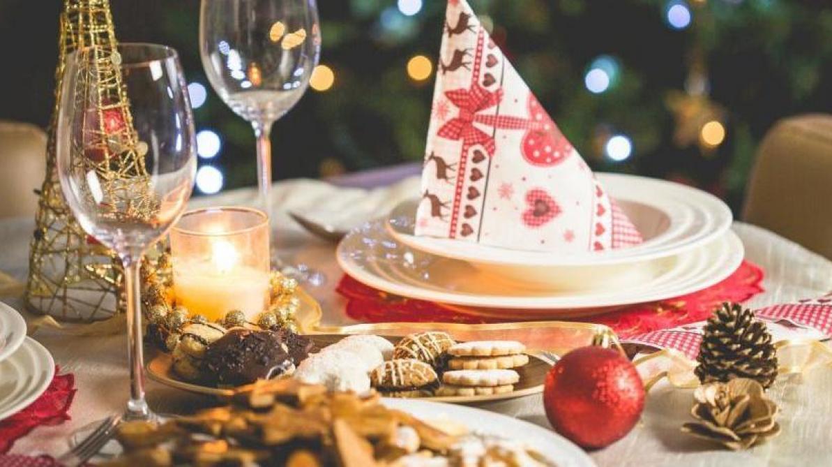 Noël : 10 desserts qui changent de la traditionnelle bûche https://t.co/t1x5Cbzsp1 https://t.co/Yhdnu6Q02m