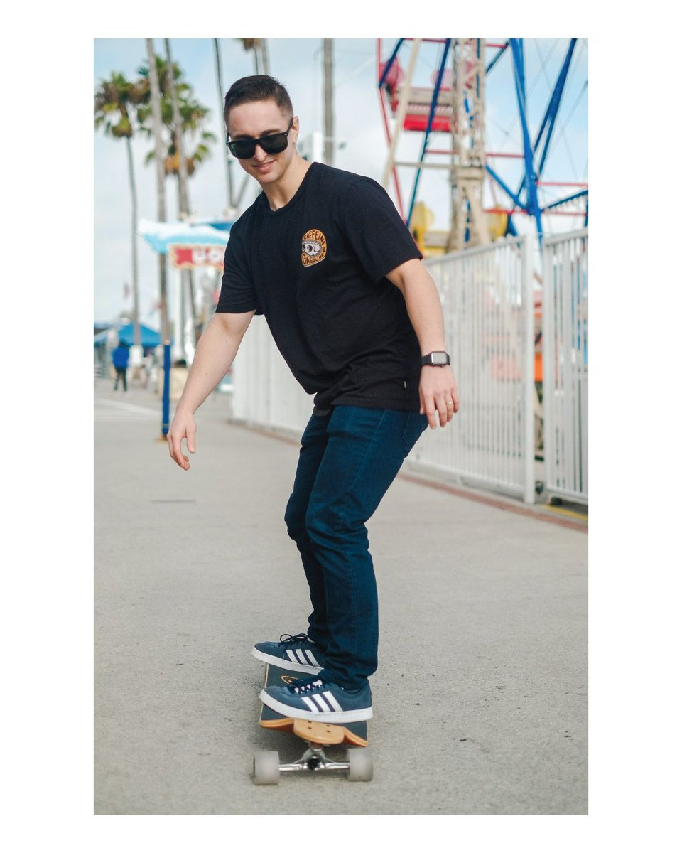 Cruisin' mode   ...  #yochaer #longboards #skateboards #skaterboy #skatelife #longboarding #longboarder #longboardingisfun #longboardcruisin #cruisin #feelgood #goodvibes #weekendvibes #longboardliving #learntolongboard #skateshop #californiaskateshoppic.twitter.com/KbdvNcKBGb
