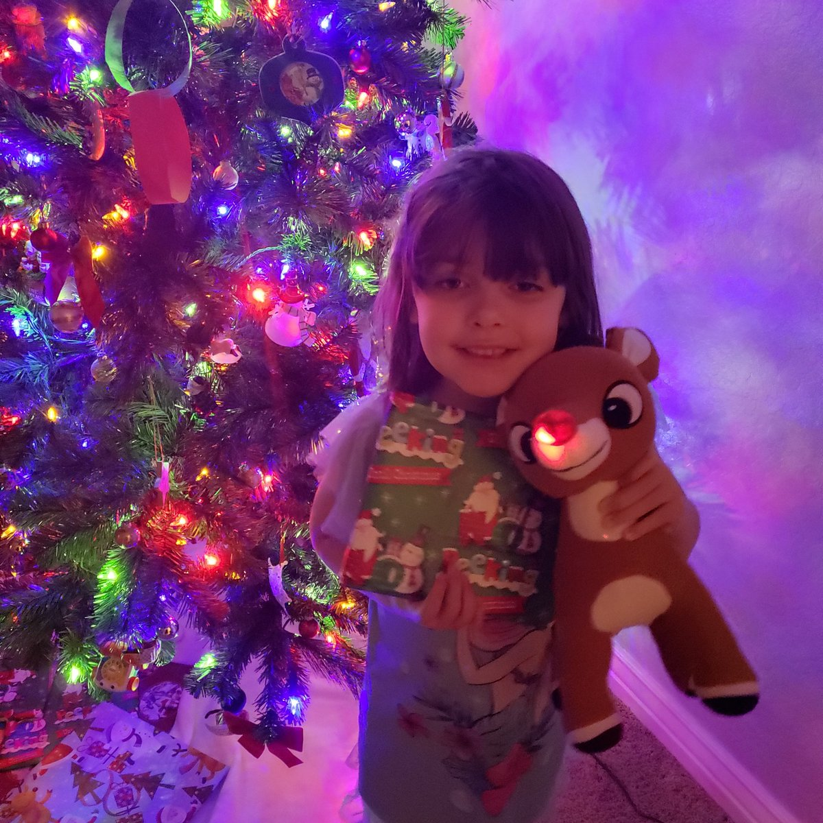 A few hours late due to me forgetting to post haha but 11 days til Christmas! #rudolphtherednosedreindeer #family #love #holidaycheer #firstchristmas #firstyule #newhome #adventcalendar
