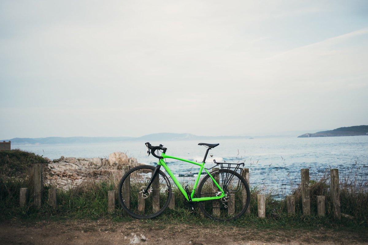 Desplazaré sin !!!!! #mountainbike #mtblife #downhill #mountainbiking #dh #freeride #cycling #bike #rockshox #enduro #biking #specialized #sram #enduromtb #bikepark #bikeporn #bicycle #ciclismo #strava #bikes #btt #cyclingphotos #instabike #singletrack #cumbredelclimapic.twitter.com/bgW1bSDbdB