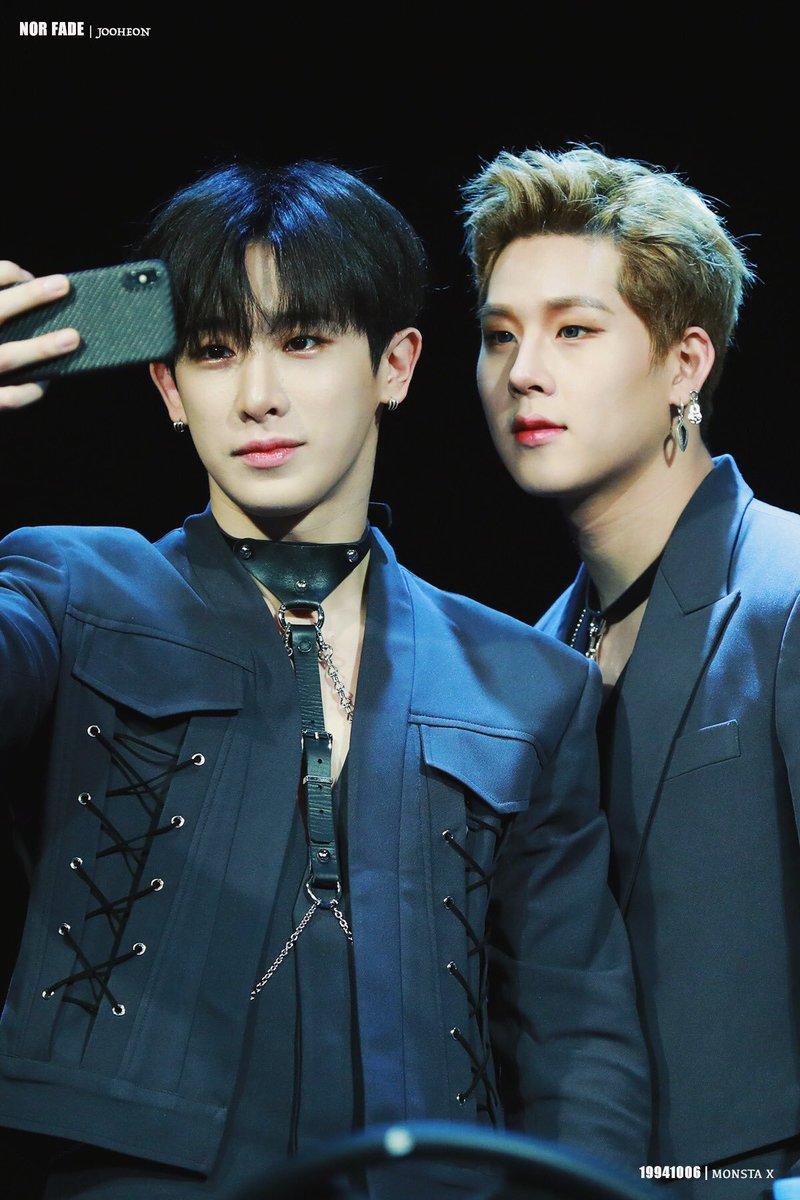 Bring back our Wonho  so we can get more selfies like this  #RememberWhenJoohoney #FullForceForMX7 #일곱명이_아님_성에_차지않아  @STARSHIPent @OfficialMonstaX<br>http://pic.twitter.com/mU4dJR4ojl