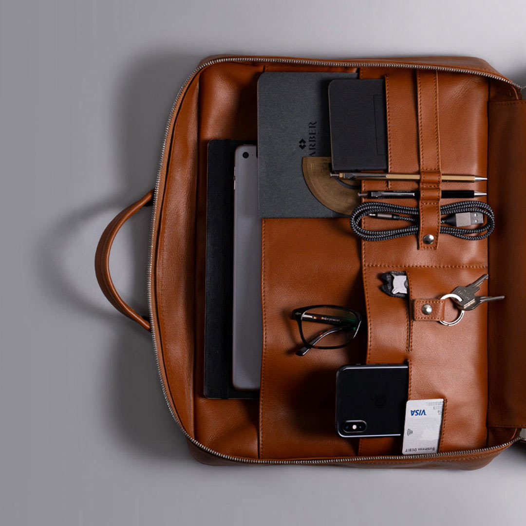 Our Work Briefcase!  Perfect for work and travel! Check our site and discover more about our awesome product!  http://bit.ly/harberlondon #Harberlondon . . #briefcase #leather #workbag #laptopbagpic.twitter.com/QllvZMeoCk