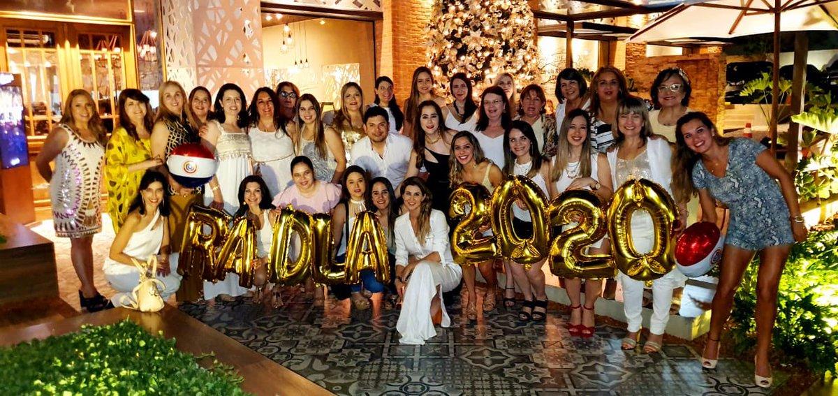 Cena de fin de año! Sociedad Paraguaya de Dermatología pic.twitter.com/09cZ9gxhnf