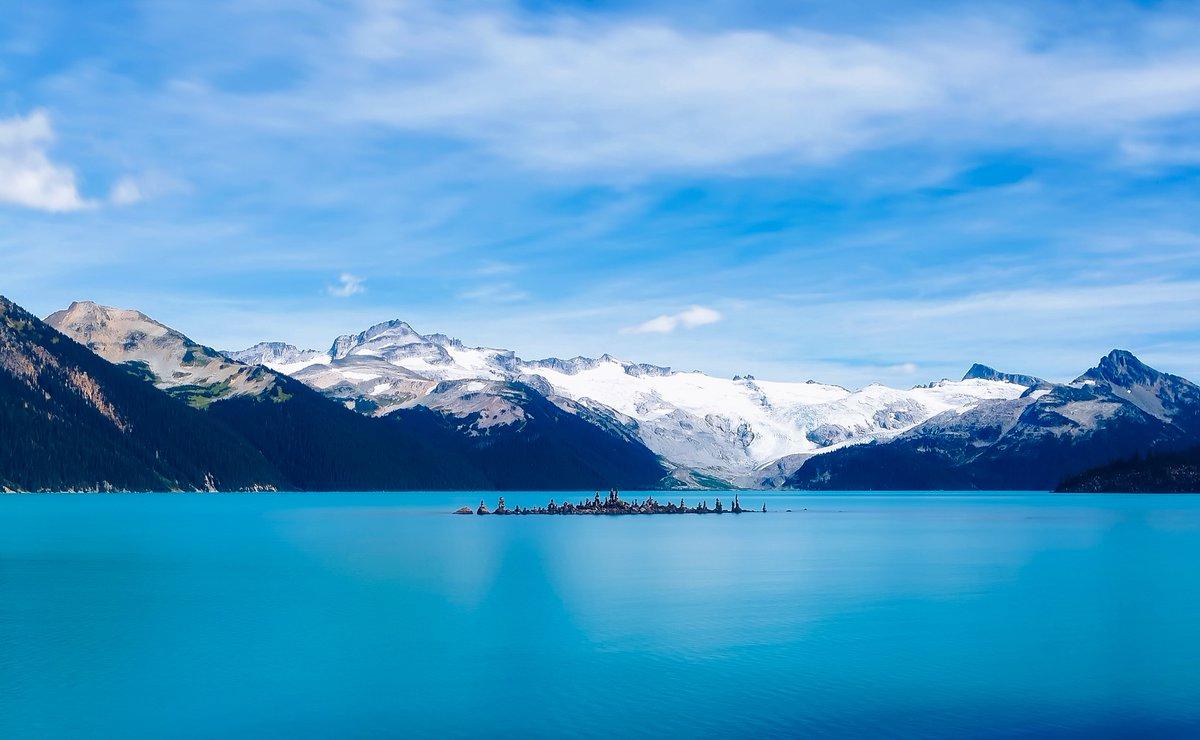 Wir wünschen euch einen schönen dritten Advent 🕯️🕯️🕯️ Lasst euch von türkisblauen Seen vor einem tollen Panorama verzaubern - entdecke Kanada! 🍁 . . #trasty #travelstory #visitcanada #reisen #reiselust #reisenmachtglücklich #reisefieber #weltenbummler https://t.co/0Y1OUy56Gs