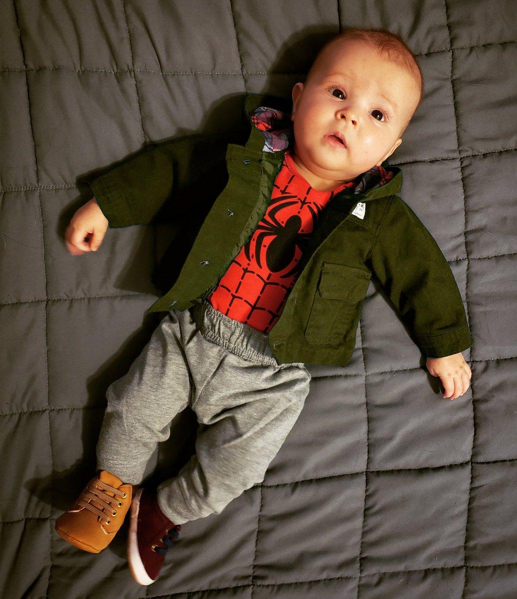 Elijah doing his best Peter B. Parker impression. #cosplay #baby #peterbparker #peterbparkercosplay #badass