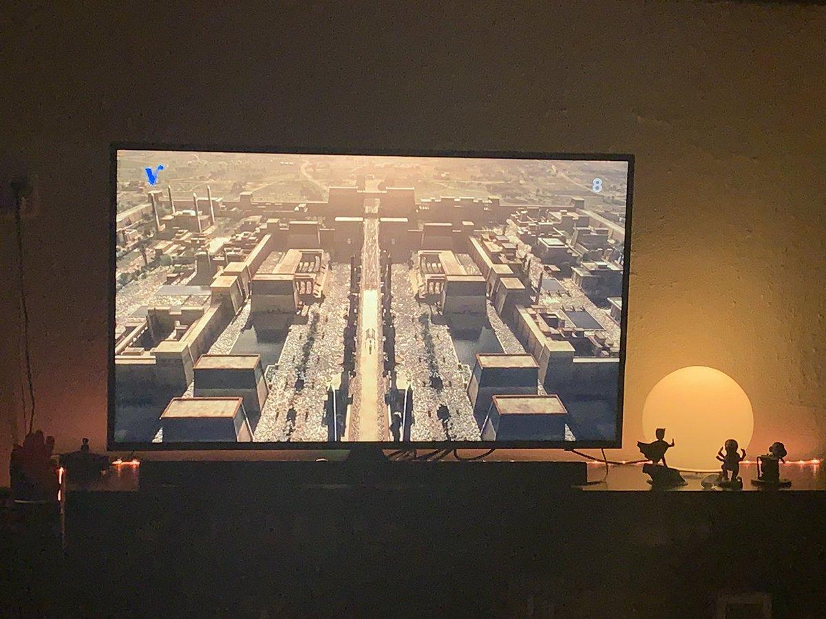 Na een reis van iets meer dan 3uur thuis. Nu tijd voor #xmen #apocalypse net te laat, gelukkig bestaat de terugspoelfunctie #tijdvoormezelfpic.twitter.com/jrQFjEJrwl
