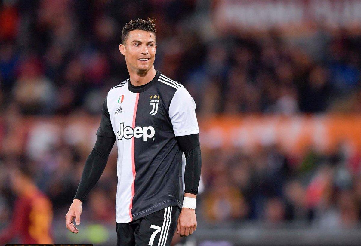 Se Cristiano Ronaldo marcar mais 2 gols nos últimos 2 jogos do ano ele alcançará a marca de 40 gols ou mais por ano durante 10 anos consecutivos 🔥 2010 - 48 ⚽️ 2011 - 60 ⚽️ 2012 - 63 ⚽️ 2013 - 69 ⚽️ 2014 - 61 ⚽️ 2015 - 57 ⚽️ 2016 - 55 ⚽️ 2017 - 53 ⚽️ 2018 - 49 ⚽️ 2019 - 38 ⚽️