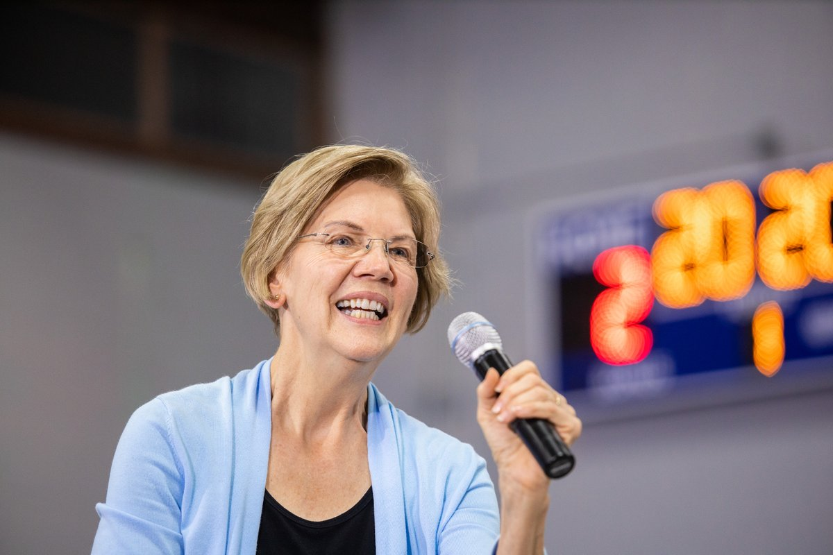 Elizabeth Warren speaks to the crowd at the Clinton, Iowa town hall.