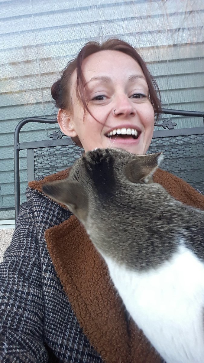 ❤🐈💙 Most awesome #straycat ever. He knows when I need some cheering up and never fails. #animaltherapy #rescueanimals #vetsneedlovetoo #iamaveteran #Navy #navyvet #Mentalhealth #22aday #endveteranneglect #fightforeachother #CatsOfTwitter #MentalHealthAwareness #kittykisses