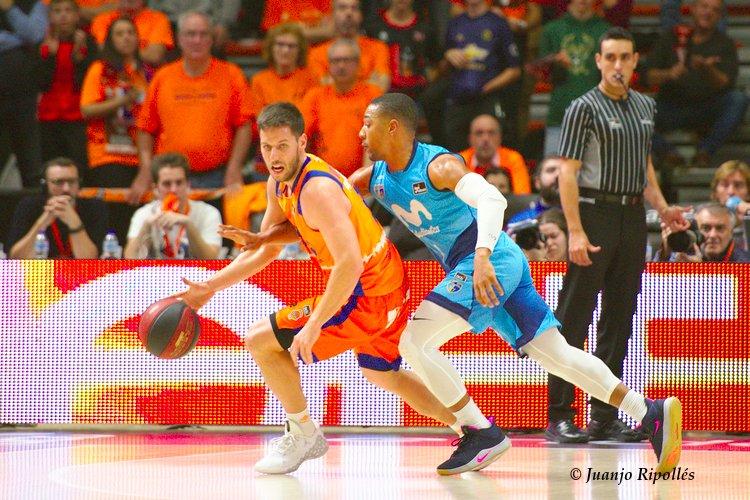 Más en http://fotostudio.basketme.com/?gal=1584  @valenciabasket vs @MovistarEstu  @SamyV09 @philpressey  @ACBCOM   @basketmeter   #photography #fotografia #sportsphotography #fotografíadeportiva #basket #basketball #baloncesto #valenciabasket #MovistarEstudiantes #team #player #match #LigaEndesapic.twitter.com/JyD3pBHFVd