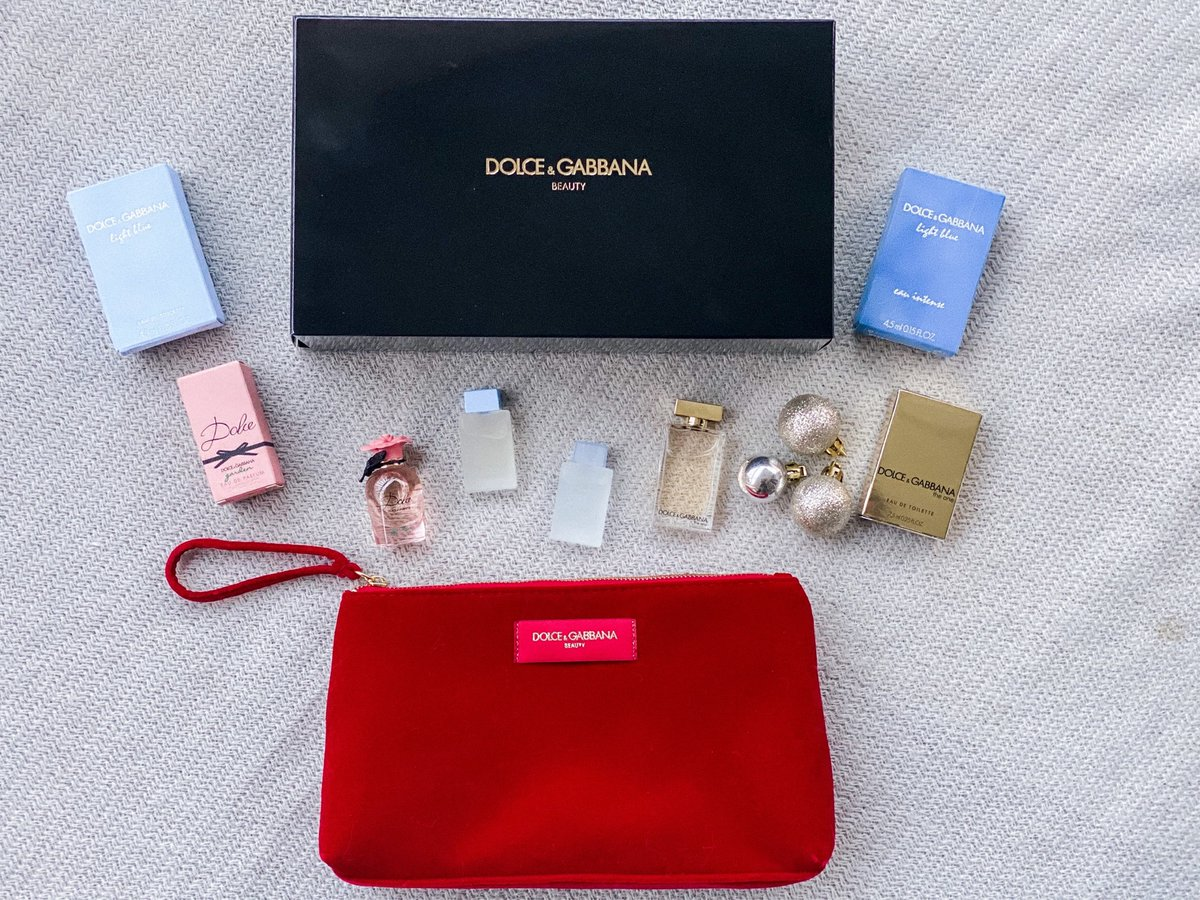 I'm giving away this Dolce & Gabbana fragrance set on my Facebook! Go enter here:  #giveaway #bloggiveaway #holidaybeauty #fragrances #dolceandgabbana #holidaystyle