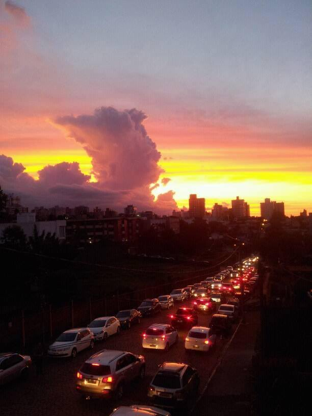 #enduro ? #pordosol #sunset #dequinta #thursdayvibes pic.twitter.com/MasGJxoAiE