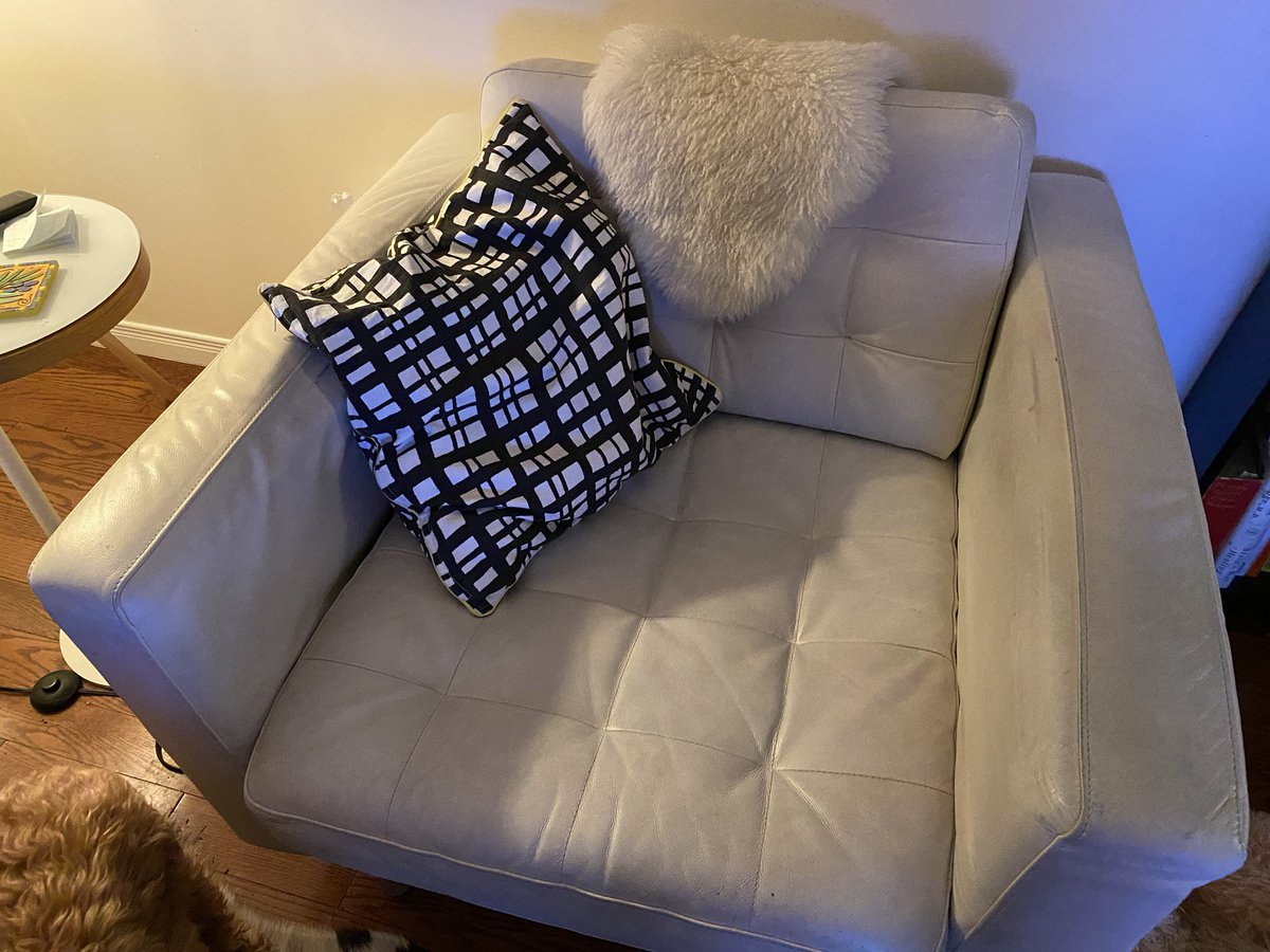 @IKEACASupport   My cream coloured leather chair is bowing on the sides and armrests. The chair is deformed sadly. Also the colour is coming off the seating area, arms and back. I use IKEA leather cleaning care kit, but that has not helped the colour. Please exchange. Thx pic.twitter.com/fp4EGmuUlg