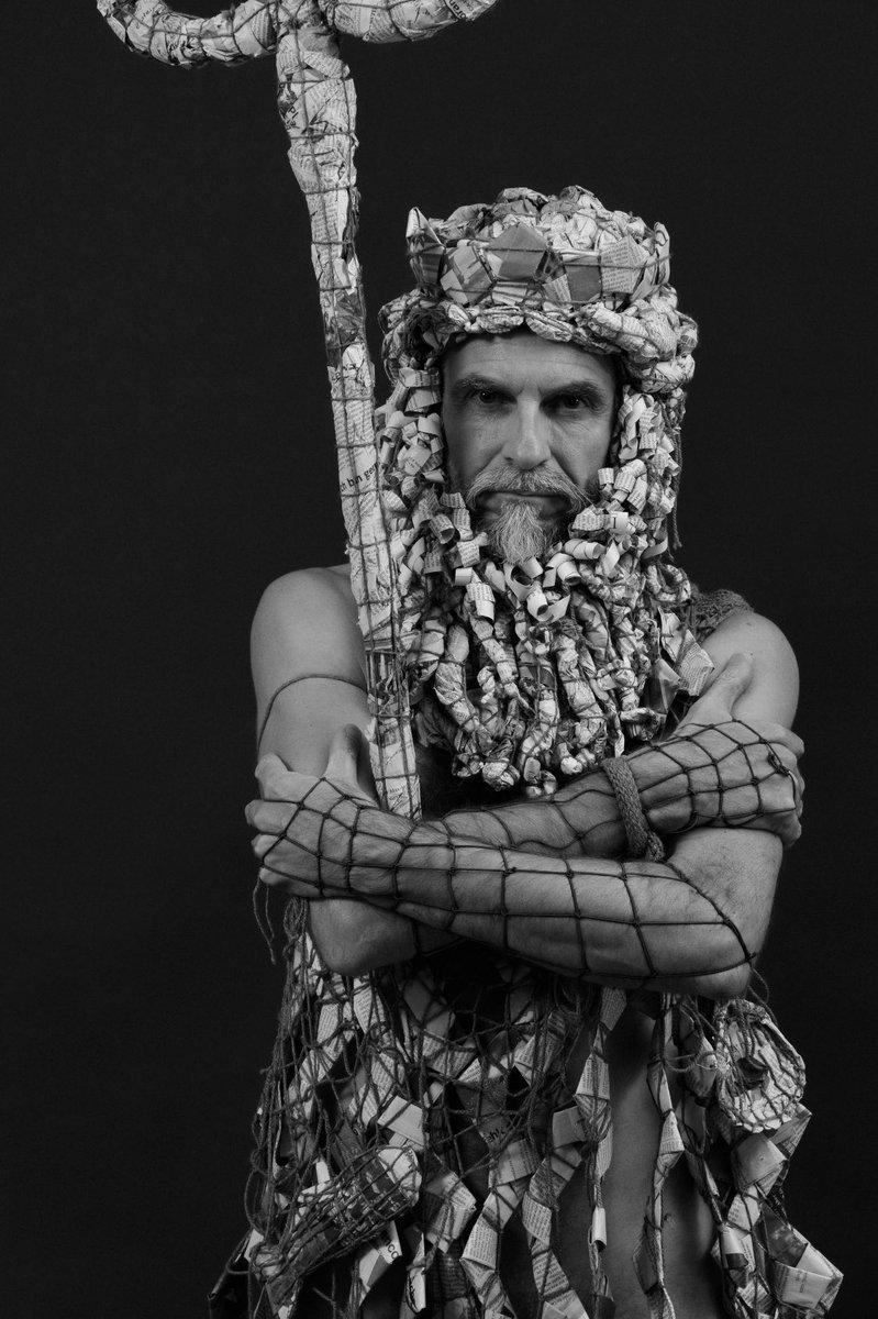 """To be an artist, you need to exist in a world of silence."" - Louise Bourgeois *(Poseidon/Neptune)  #Marcelot #MarcelotArt #Art #Artist #Sculpture #FineArts #ContemporaryArt #Arte #Kunst #ZeitgenoessischeKunst #Jornal #Newspaper #Zeitung #poseidon #neptune #louisebourgoispic.twitter.com/RZ6MtIbTKS"