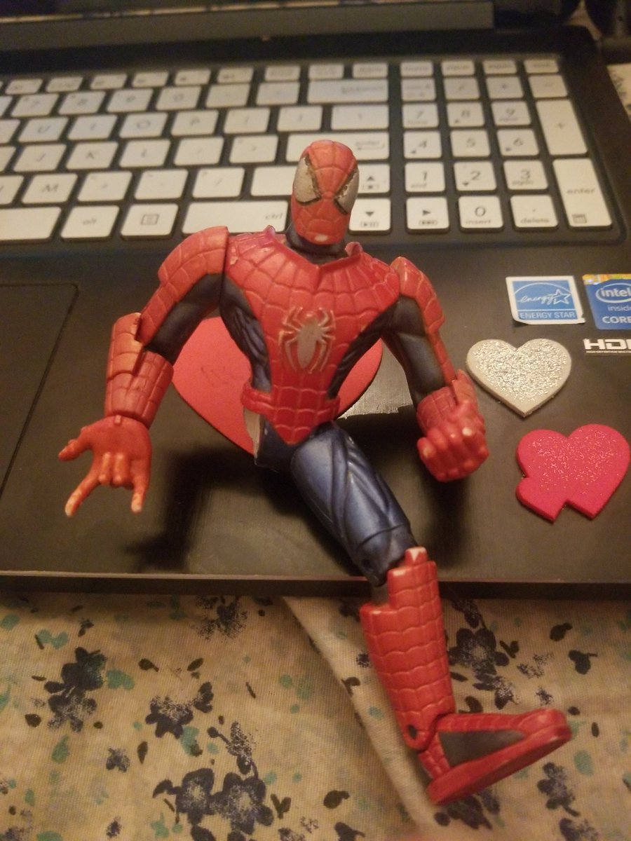 Spiderman is still traumatized from the war. He lost a leg and his mentor pic.twitter.com/0Ee4TtFCu9