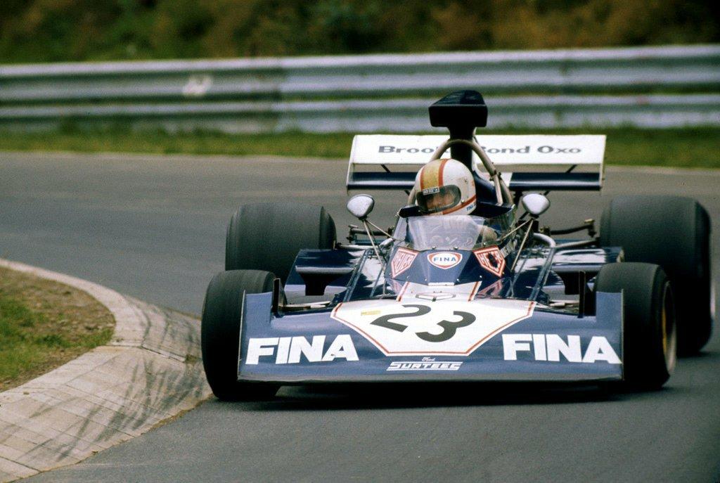 Mike Hailwood, Surtees TS14A - Ford Cosworth. German Grand Prix (Nürburgring), 1973. pic.twitter.com/bpOJ67kJDK