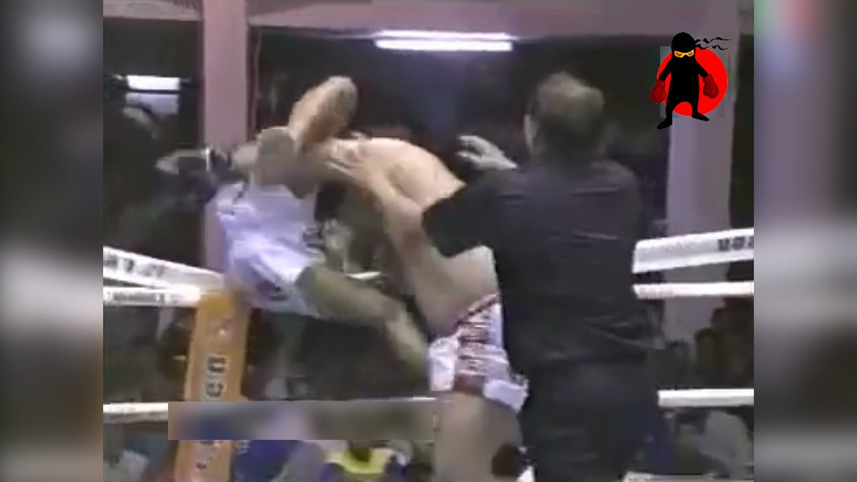 Pretty sure this level of Muay Thai beating isn't recommended by any serious health professionals. Still, really funny!  https://www.facebook.com/MartialArtsHumor/videos/1543890342417058/…pic.twitter.com/VGu6a6BGiy