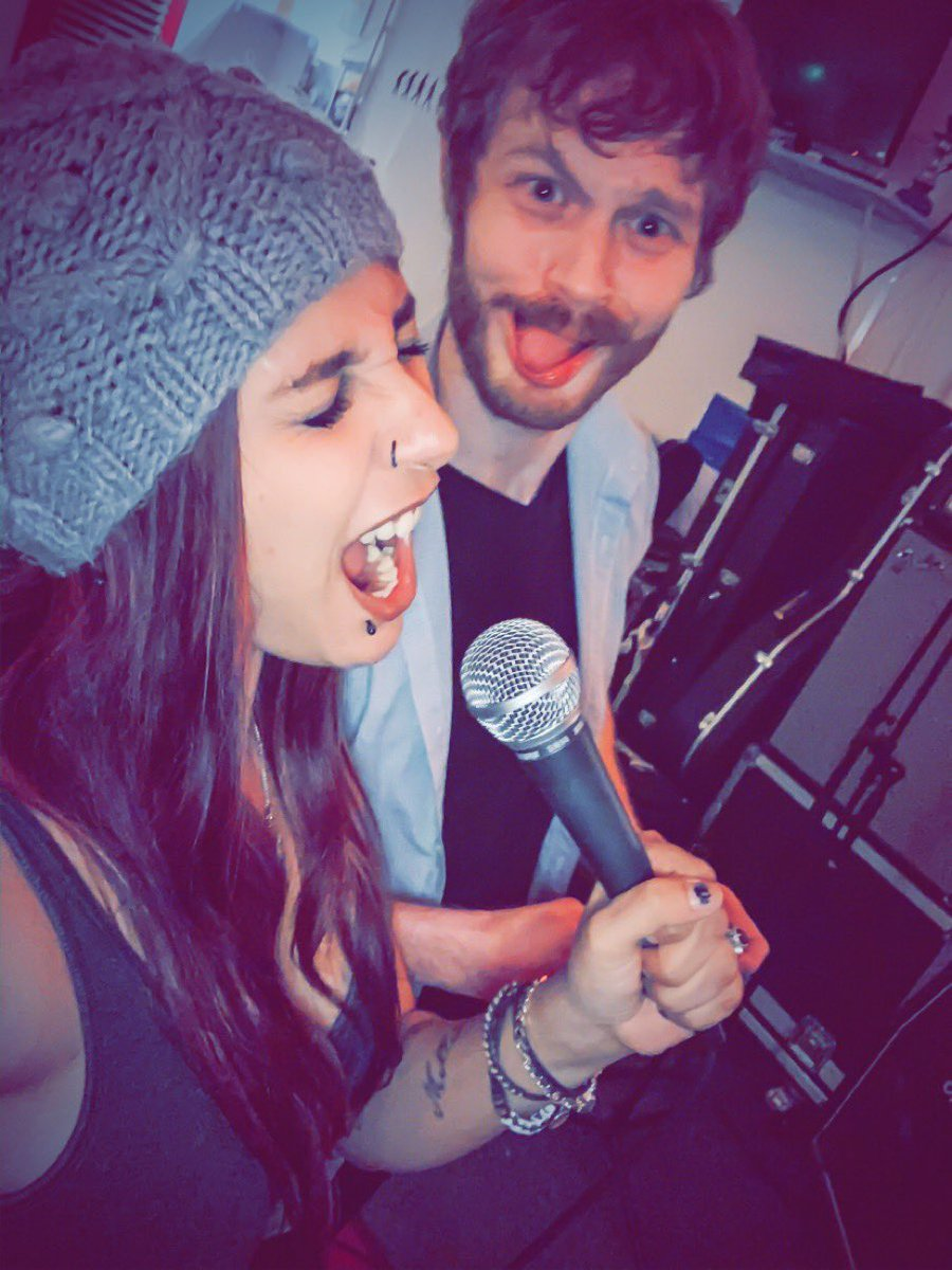 Getting help in the studio from @TGnTheRagoBand :) funtimes #music #singing #studio #manchestermusic #manchesterbands #comingsoon pic.twitter.com/oWxn0HDMTS