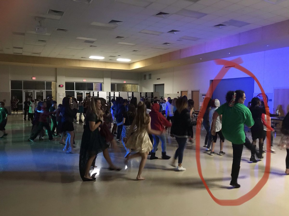 Here in the #FalconsNest - ask me if I have the right admin team - yes, @APPayne3 line dances with our kids as we celebrate at the Friday night dance! #Culture #Connection #LoveKidspic.twitter.com/pehQ4DvcE6
