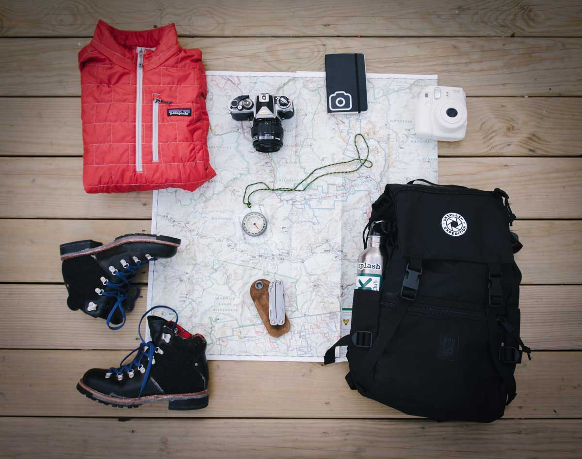 Always carry the #10Essentials when heading into the backcountry. #hiking https://www.cloudlineapparel.com/blogs/cloudline/the-hikers-guide-to-the-ten-essentials…pic.twitter.com/orfyQXYbMk