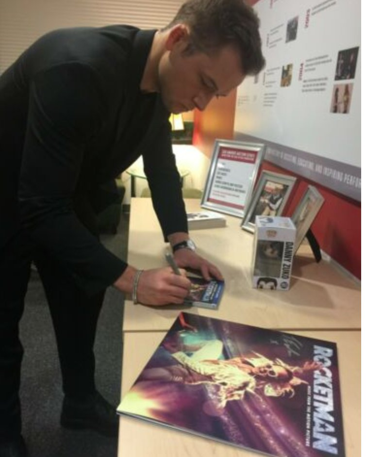 Hey 'blue jean babies'...Crocodile rock your way over to win this #Rocketman soundtrack #vinyl signed by #TaronEgerton. You have less than 2 hours to place your bids. Proceeds benefit @sagaftraFOUND.   Bid here: https://ebay.to/2Po00utpic.twitter.com/IhpdNKYeW9