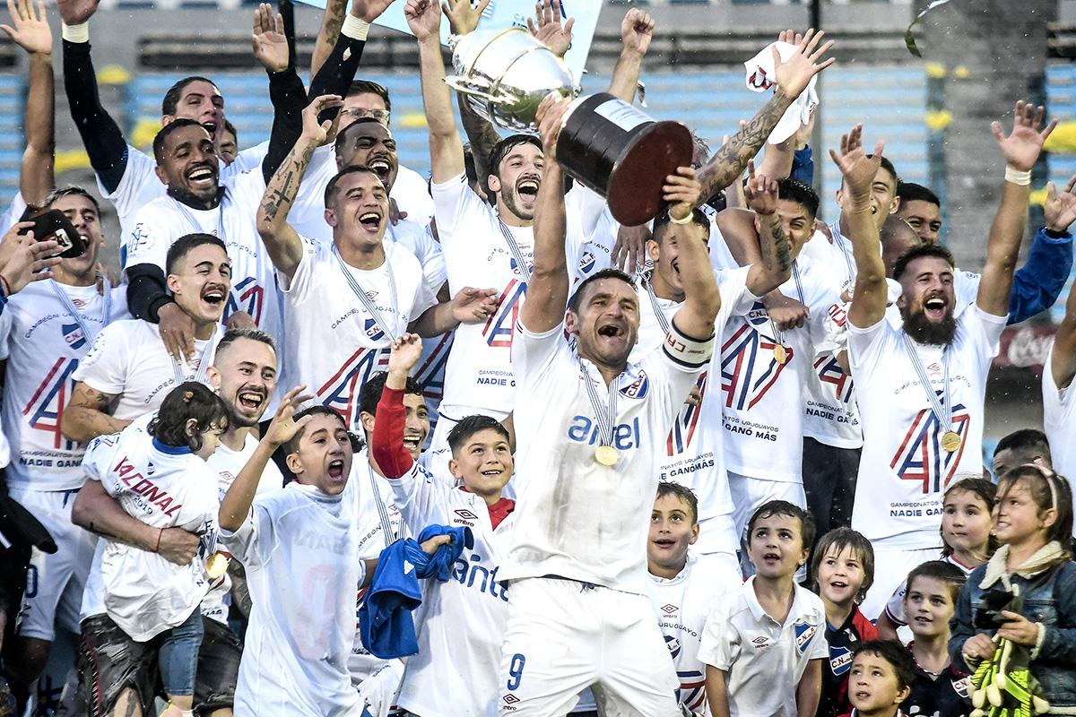 20191215 - @Nacional campeón Uruguayo 2019 en el estadio Centenario. Foto: @JCalveloLuisi / #adhocFOTOS #Fotoperiodismo #Deporte #Futbolpic.twitter.com/CJNTlvtKdX