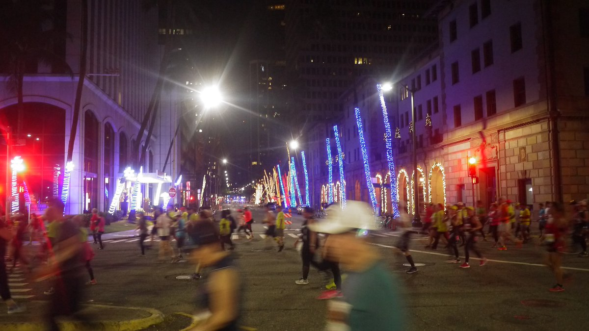 I ascertained my record in the #Honolulumarathon2019. But in the result, I didn't find. #Hawaii #Honolulu #Honolulumarathon #marathon For 2 hour and 10 minutues? These are photos of the #illumination of Honolulu. #iluminacion #photo #photography #photographylovers #写真集pic.twitter.com/b38DNasIx5