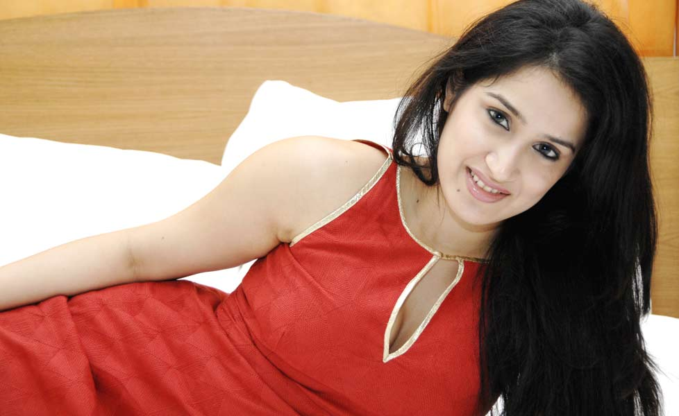 Check out to know more about #SagarikaGhatge Wiki, Age, Height, Weight, Family, Husband, Boyfriend, Biography & Images Visit: https://www.celebritiesbio.in/sagarika-ghatge/… #celebrity #celebs #celebrities #celebrityfeet #Bollywood #TelevisionStar #bollywoodstyle #TelevisionStar #MondayMorningpic.twitter.com/Tw1uEHjGIu