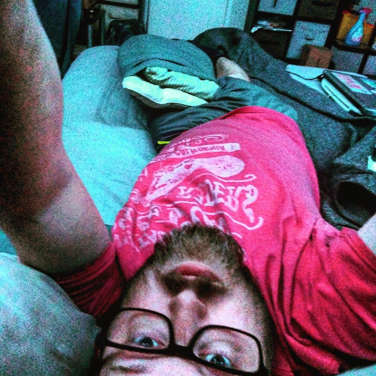 Sleepy time acrobatics.  #goodnight#selfiesunday pic.twitter.com/EpP6gLOEde