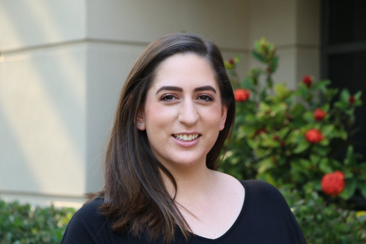 """Meet Dayna who is a caseworker in our Youth Services Team. """"My role is diverse. I have case work clients, I work with the Big Brothers Big Sisters Program and the Young Adult Mentoring Links and run holiday programs JGirl and JTeen:  https://www.facebook.com/JewishCareNSW/photos/a.225017090842309/2874974709179854/?type=3…pic.twitter.com/SvReSaDOzE"""