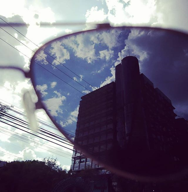 Sometimes you just need to change the glasses. #Life is a #perspective. . . . . #photography #photooftheday #2019 blue #sky #city #reflection #inspiration #minset #CDMX #mexico #freedom #love #adventure #shoot #fotografía #FotoDelDia #cielo #azul #aventu… https://ift.tt/2rEae13pic.twitter.com/XB7bv8YVoa