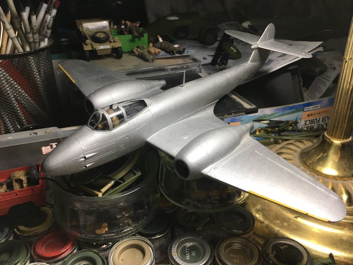 A favourite model kit, Tamiya's 1:48 Gloster Meteor Mk.1. The Meteor was the first jet fighter developed by the British and first used during the Second World War to defend Britain from V-1 cruise missiles. I decided to paint it in aluminum as opposed to usual camouflage colours. pic.twitter.com/Eq8LuKXBZk