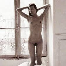 """December 17:Happy 22nd birthday to actress,Milla Jovovich (\""""Resident Evil\"""")"""