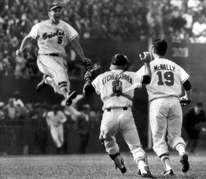 Vintage Photo of the Day: @MLB   1966: Brooks Robinson jumps in the air as the @Orioles win the World Series. #Orioles #Birdland #MLBpic.twitter.com/DRVo0gKbaa