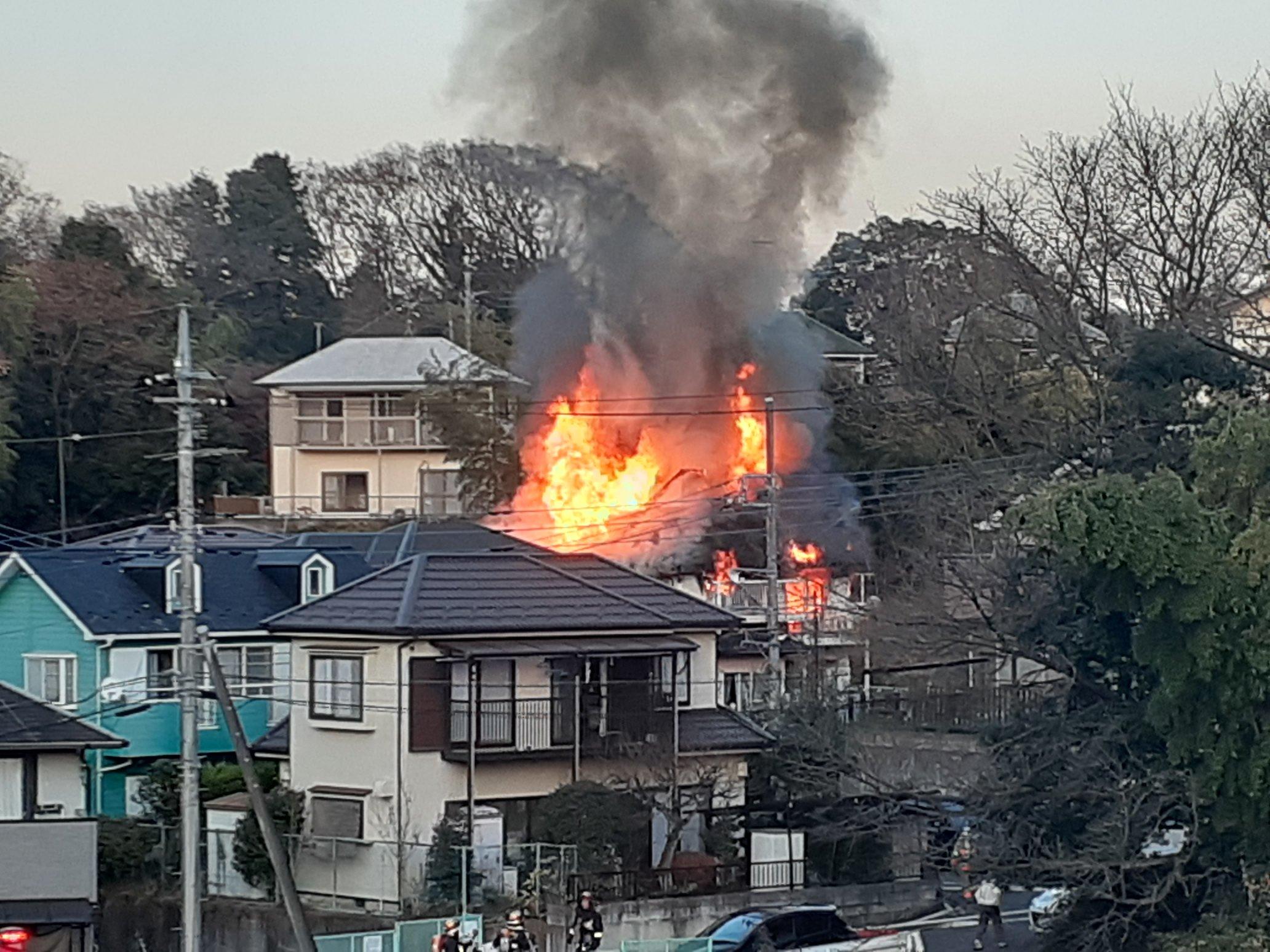 町田市上小山田町で大きな火事が起きた現場の画像