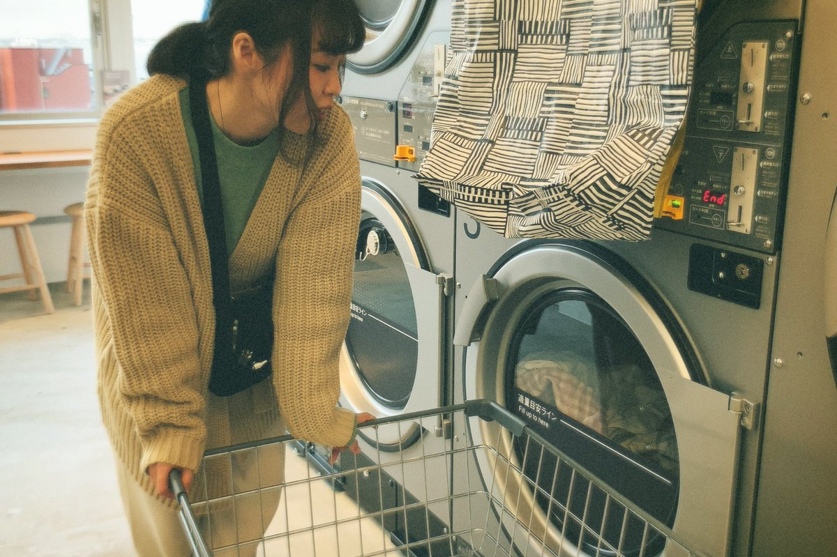 at the laundromat.  #portrait #ポートレート #カメラとお散歩 #カメラのある生活 #フィルムと生活pic.twitter.com/rszAFa6IqP
