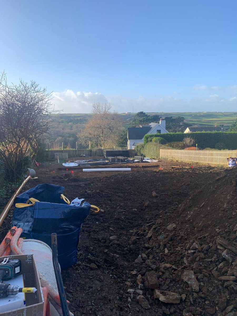 Today one of our jobs is connecting up a temporary supply to this site ready for the builders to start work.  This site will soon have work started to build a bespoke new build. #MondayMorning #newbuild #bespoke #architect #electrician #electricalsafety #newweek #Constructionpic.twitter.com/mSofrzMLK6