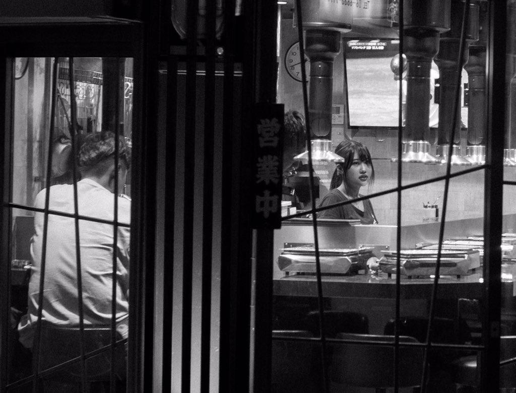 皆さんこんばんは  #街撮り #ファインダー越の私の世界 #Osaka #大阪ミナミ #大阪日本橋 #blackandwhite #blackandwhitephotography #ストリート写真  #streetphotographypic.twitter.com/87YKy6sQ1P