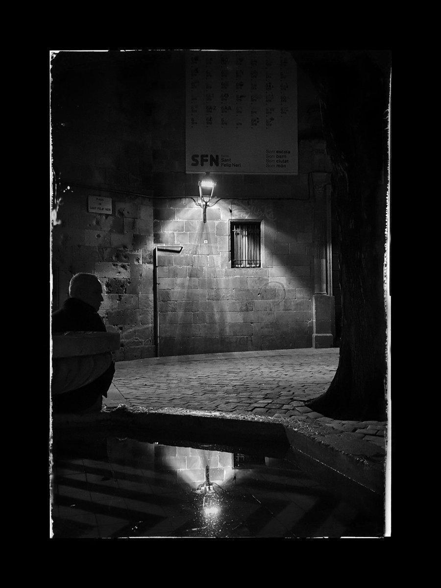 PHOTOGRAPHY: Plaça de Sant Felip Neri. Barcelona.   Photo by JazzC.  #fotosconmoviljazzc #mobilephotography #blackandwhitephotography #blackandwhite #Barcelonapic.twitter.com/rtEoMGUTZr