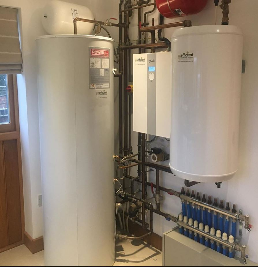 Service call for this ASHP from 2012. Good to see all still operating well #heating #heatpump #groundsourceheatpump #airsourceheatpump #underfloorheating #cosy #cosyhome #scotland #england #installers #energyefficient #newbuild #renovation #renewable #warm #freeenergy #lowcarbonpic.twitter.com/6sIiIEbJuy